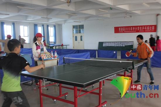 新疆博湖县乌有中小学生乒乓球比赛迎接五四_小学义举办哪些图片