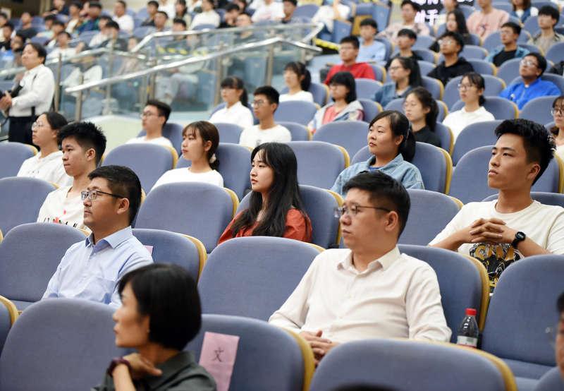 安徽:全省大学生同上一堂思政大