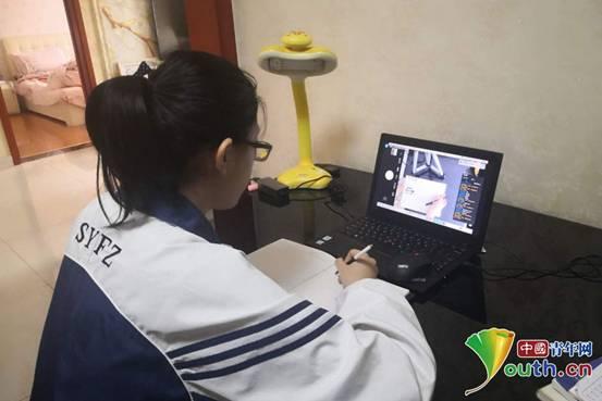 """妈妈给初中女儿的信_《赴武汉》:""""唱""""给妈妈的一封信_青年组织__中国青年网"""